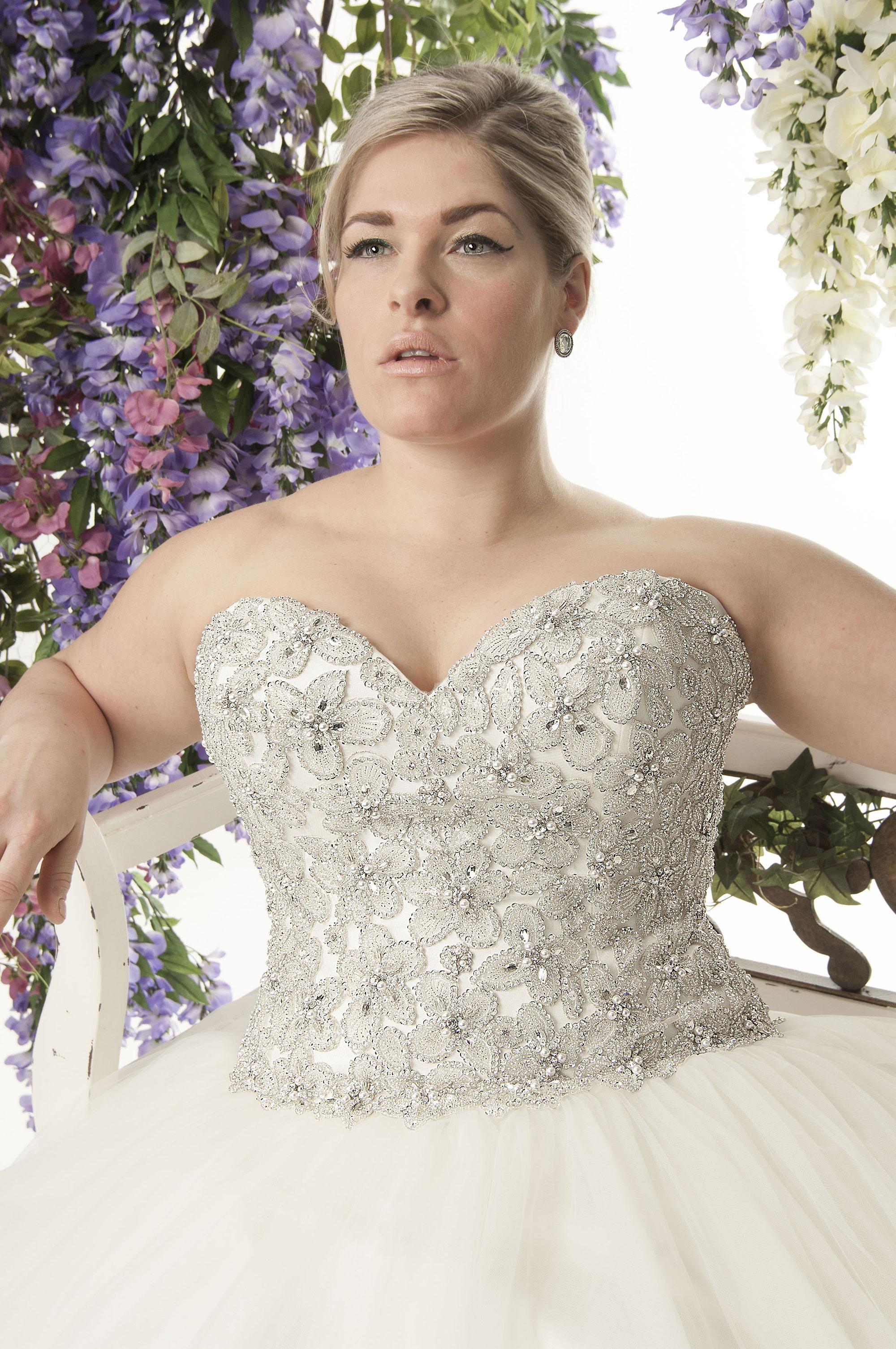 New Super Blingy Plus Size Ballgown Wedding Dress