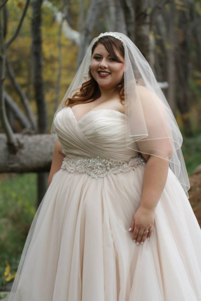Ana r a real bride in allure 2607 strut bridal salon for Best wedding dresses for short fat brides