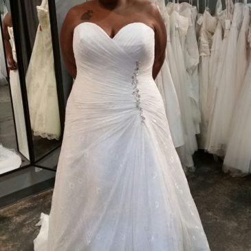 NEW: Plus Size Lace Aline Wedding Dress