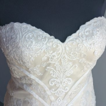 NEW: Vintage Lace Mermaid Wedding Dress
