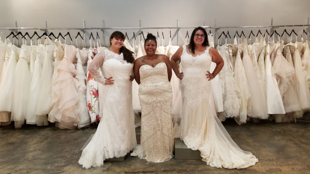 0cee91f744baf But we absolutely the love the idea of these 2 in 1 wedding dresses for  brides stuck between silhouettes or for those ladies that just want a  different look ...