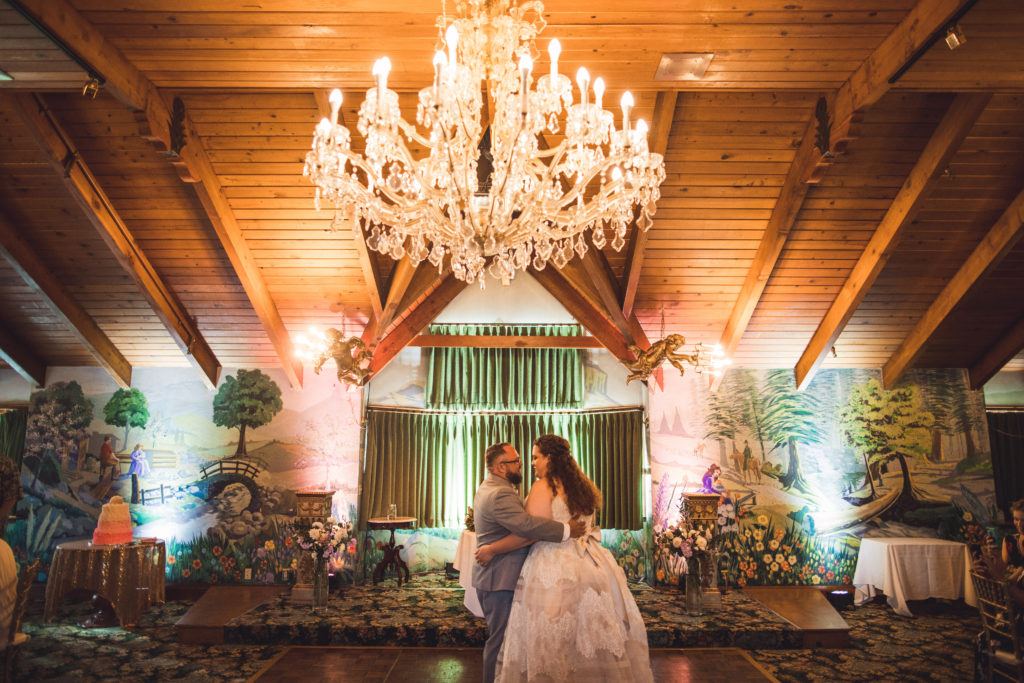 Madonna Inn wedding with real plus size bride